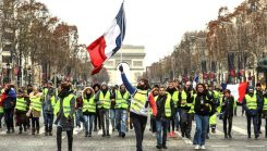 Yellow Vest violent protests are an 'economic catastrophe'